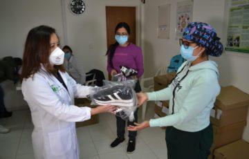 Hospital Mario Gaitán Yanguas de Soacha recibe donación de 1.500 prendas para el personal de la salud