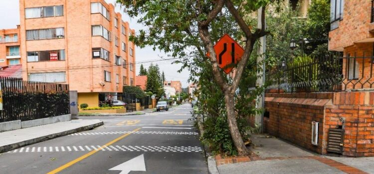 160.000 señales de tránsito de Bogotá serán restauradas por jóvenes del IDIPRÓN