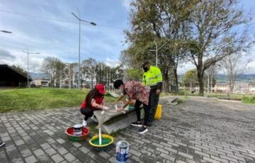 Alcaldía de Pasto realiza acciones para recuperar y proteger el espacio público en el Parque Bolívar
