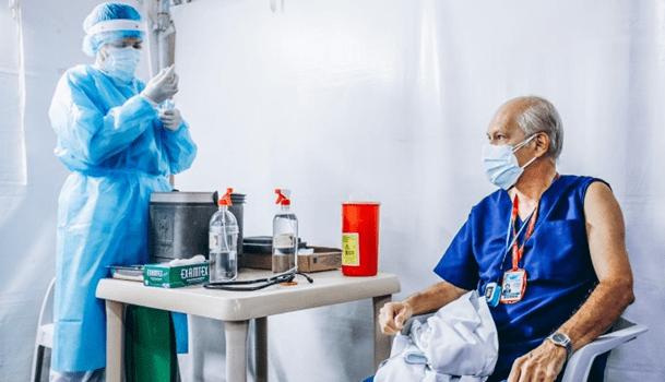 Villavicencio inició la segunda aplicación de dosis COVID19 a personal médico