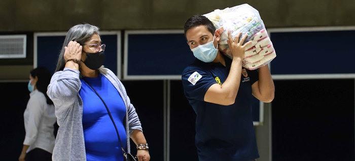 Entrega de mercados en Cali benefició a integrantes del transporte escolar afectados por la pandemia