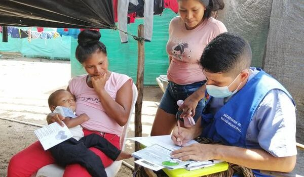 La Alcaldía de Inírida realiza jornadas pedagógicas 'puerta a puerta' para prevenir contagios por Covid19