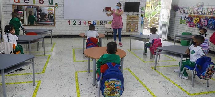 Comunidad educativa del corregimiento de Golondrinas se sumó a la alternancia educativa en Cali