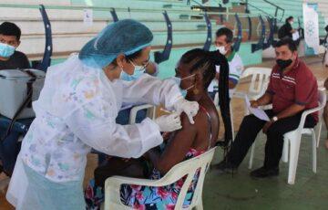 En San José del Guaviare inició la vacunación de docentes contra el Covid19
