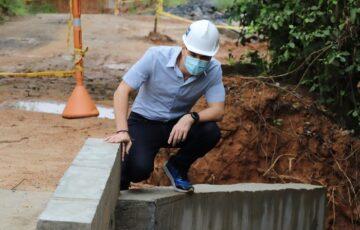 Alcalde de Montería inspeccionó la construcción de la placa huella en la loma de El Ñeque