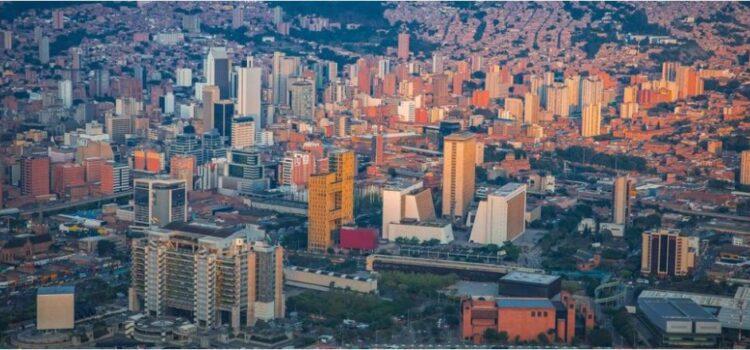 Aprobado proyecto de acuerdo que beneficiará a contribuyentes de impuesto predial de edificios evacuados y población en pobreza oculta en Medellín